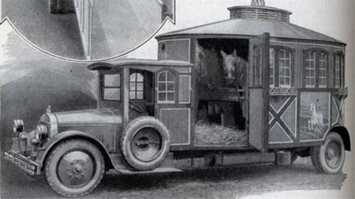 antique-horse-trailer